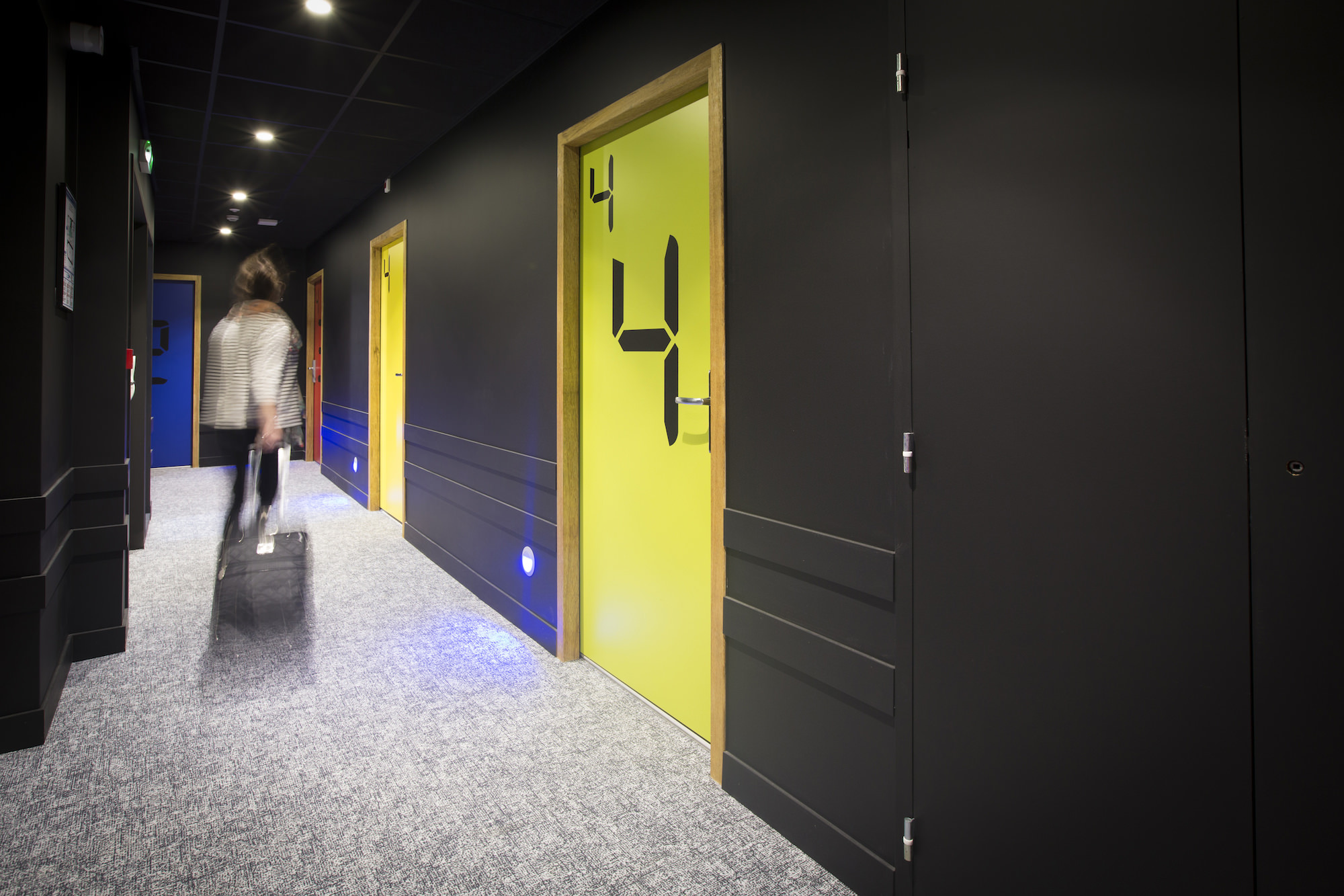 Boutique hotel apparthotel design les fleurines for Appart hotel rodez